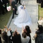冬の結婚式にお呼ばれ ドレス タブーな服装、寒さ対策どうすればいいの?